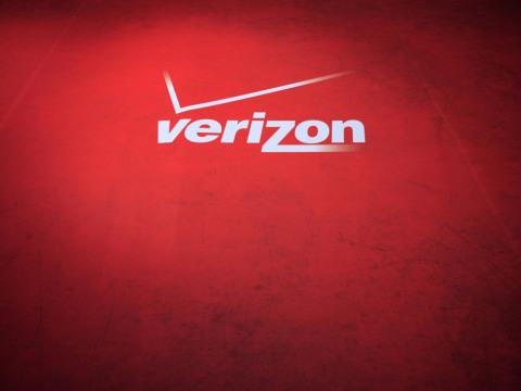 "Verizon ""Couple"""